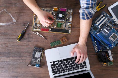 Une réparation d'ordinateur
